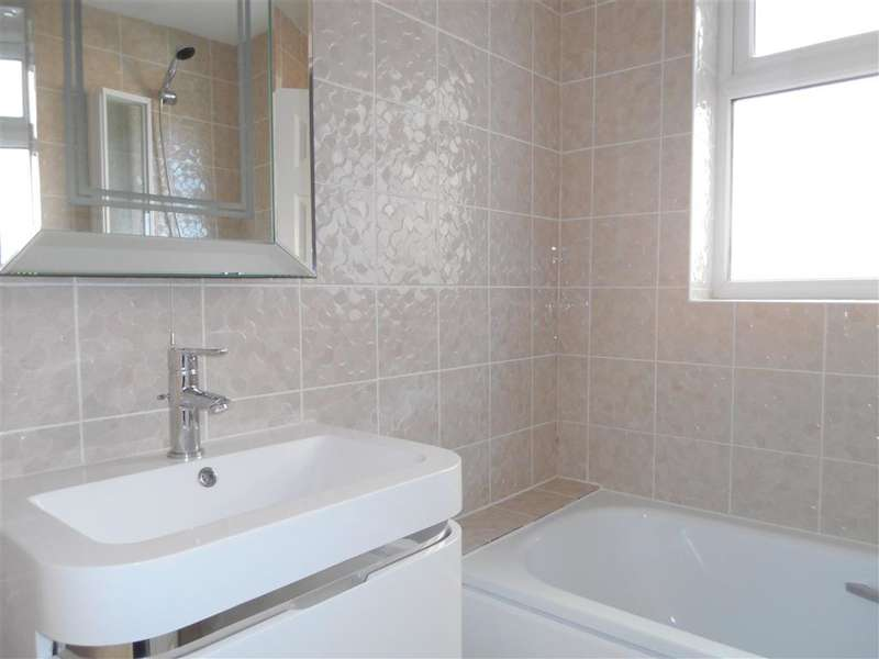 5 Bedrooms Terraced House for sale in Goodall Road, Leytonstone