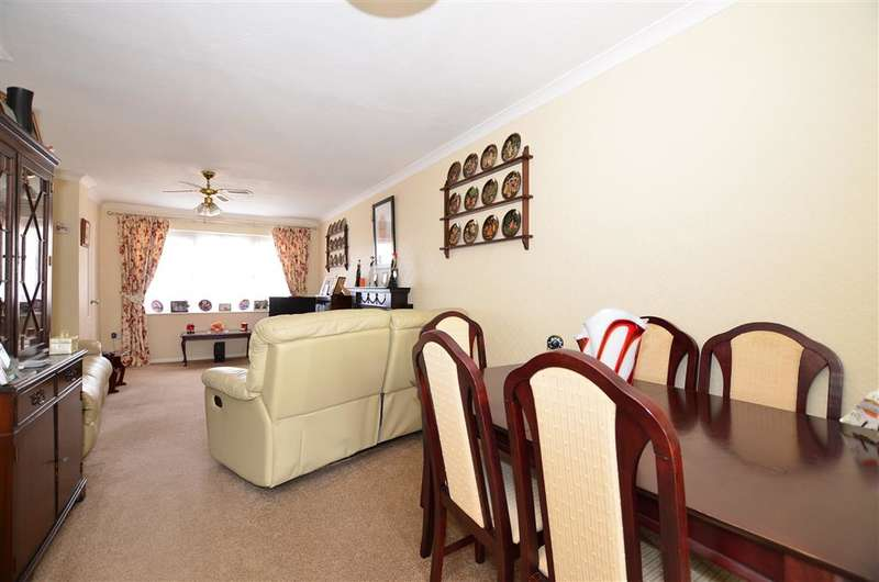 3 Bedrooms Terraced House for sale in Guston Road, Maidstone, Kent