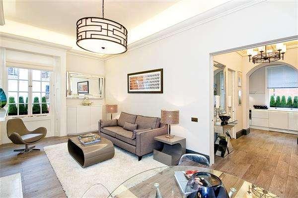 1 Bedroom Flat for sale in OVINGTON SQUARE, CHELSEA, SW3