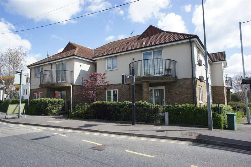 2 Bedrooms Flat for sale in High Road, Rayleigh