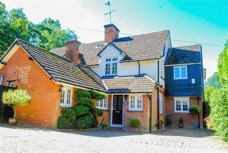 3 Bedrooms Semi Detached House for sale in Thundridge, Nr Ware