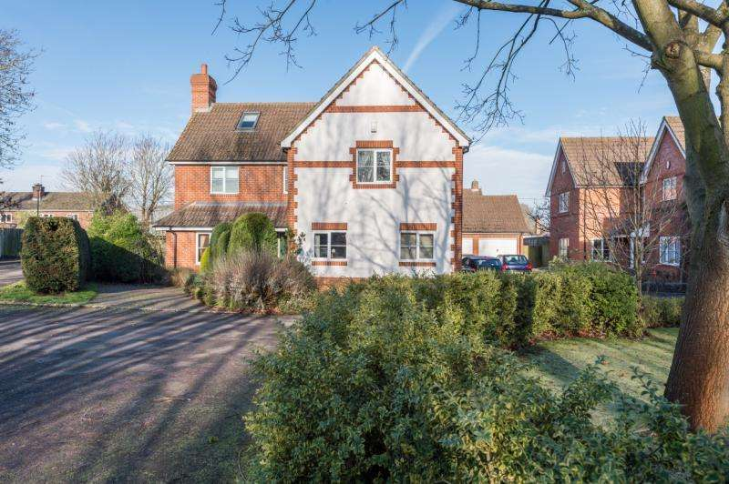 4 Bedrooms Detached House for sale in Conifers, Gooseacre, Radley, Abingdon, Oxfordshire