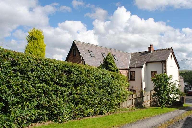 4 Bedrooms Detached House for sale in Llandeilo Road, Upper Brynamman, Ammanford