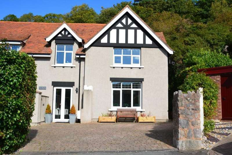 2 Bedrooms Cottage House for sale in Lodge Cottage, Llandudno, LL30 3AQ