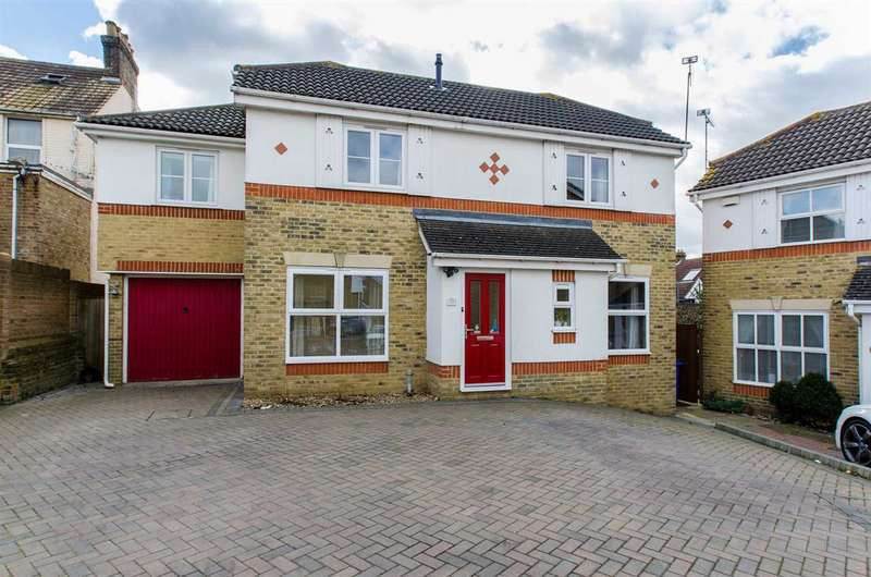 4 Bedrooms Detached House for sale in Nativity Close, Sittingbourne