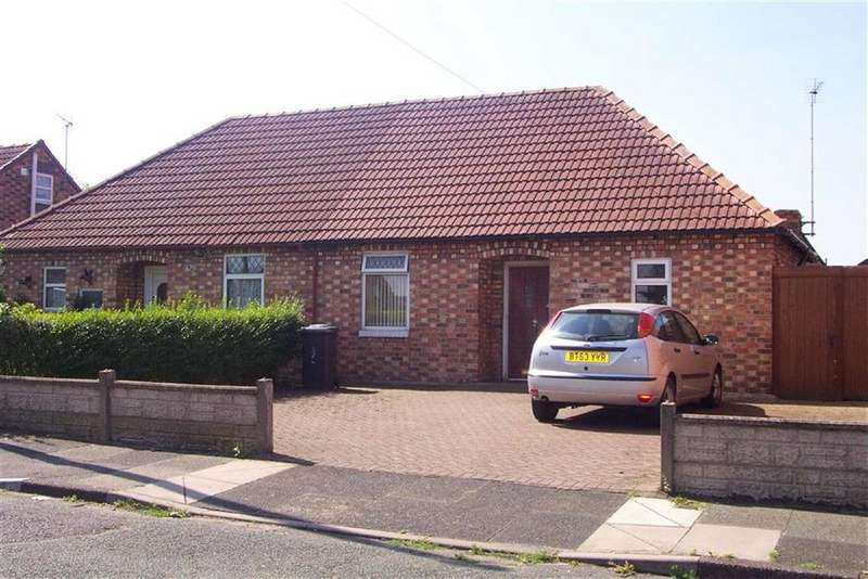 2 Bedrooms Semi Detached Bungalow for sale in Holland Street, Crewe