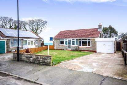 2 Bedrooms Bungalow for sale in Freshwater, Isle Of Wight, Freshwater