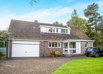 5 Bedrooms Detached House for sale in Edge Hill, Ponteland, Newcastle Upon Tyne, Northumberland, NE20