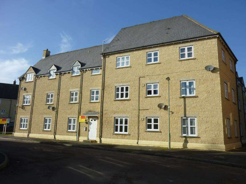2 Bedrooms Flat for sale in Sherbourne House, 1 Cherry Tree Way, Carterton, Oxon