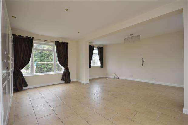 4 Bedrooms Detached House for rent in Roman Way, Stoke Bishop, Bristol, BS9