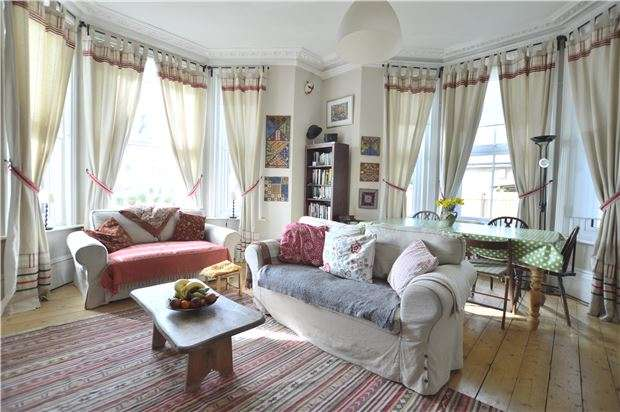 2 Bedrooms Flat for sale in Stockleigh Road, ST LEONARDS-ON-SEA, East Sussex, TN38 0JP