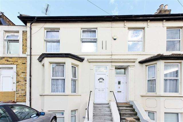 2 Bedrooms Flat for sale in Oliver Road, Leyton