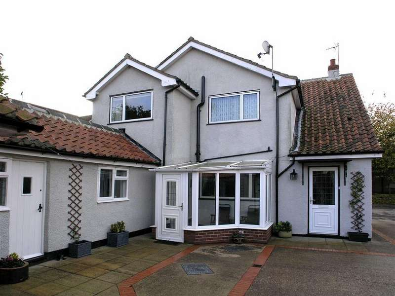 3 Bedrooms Detached House for sale in Main Street, Leconfield, East Yorkshire