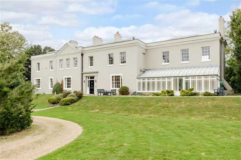 6 Bedrooms Detached House for sale in Dancers Lane, Bentley Heath, Hertfordshire