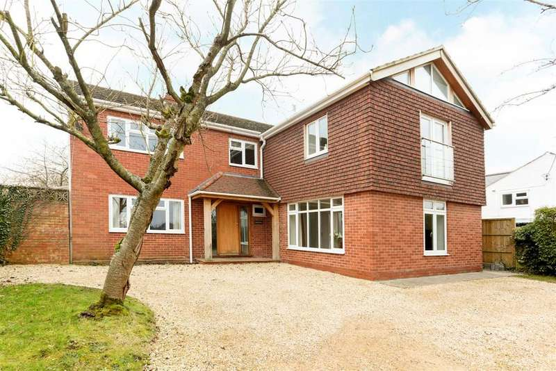 5 Bedrooms Detached House for sale in Hilcott, nr Pewsey
