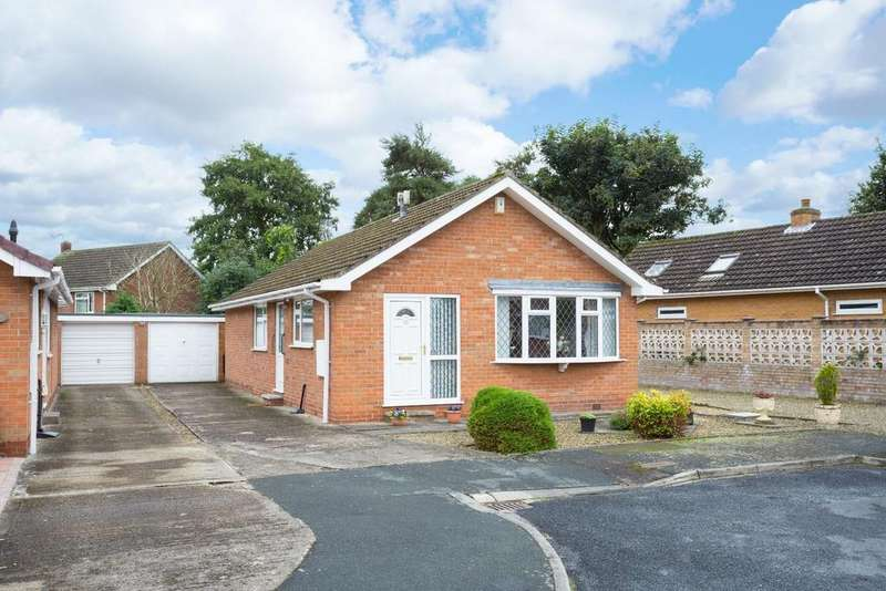 3 Bedrooms Bungalow for sale in Ripley Grove, Wigginton, York