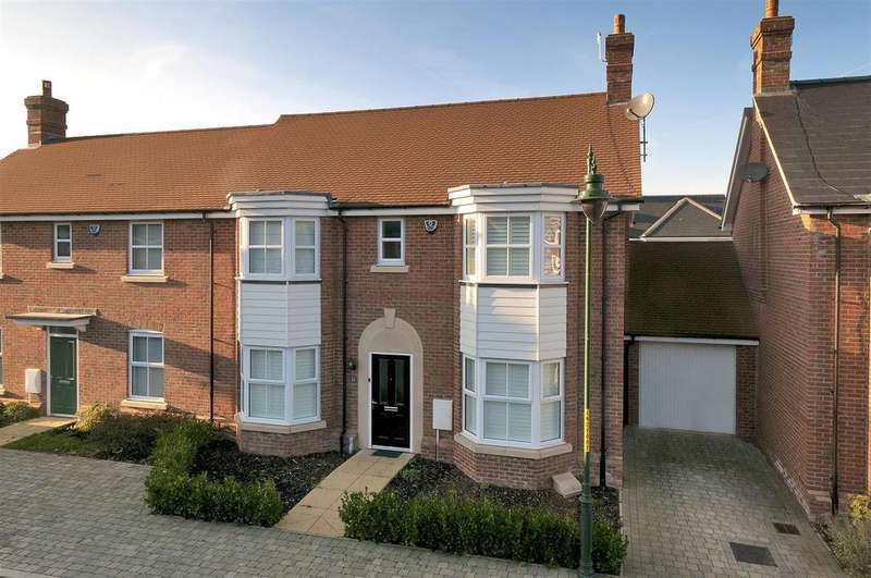 4 Bedrooms Semi Detached House for sale in Atlas Close, Kings Hill, ME19 4PS