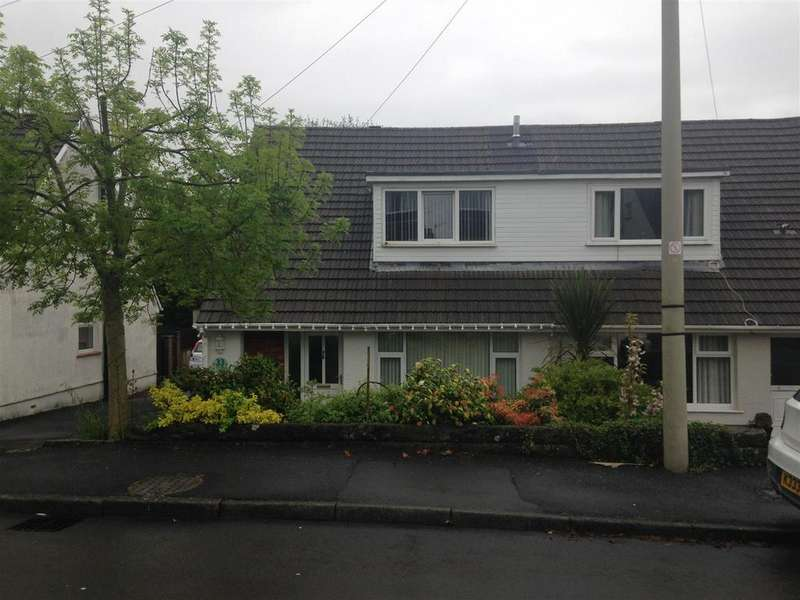 3 Bedrooms Semi Detached House for sale in Llangennech