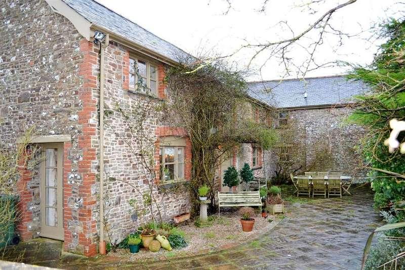 5 Bedrooms Detached House for sale in Horwood, Bideford