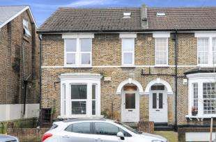 2 Bedrooms Maisonette Flat for sale in Clarence Road, Croydon