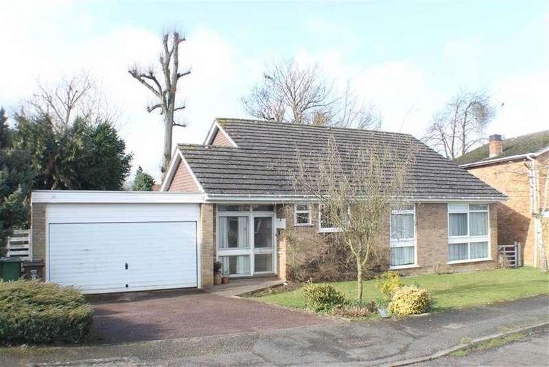 3 Bedrooms Detached Bungalow for sale in Eastmoor Park, Harpenden, Hertfordshire, AL5