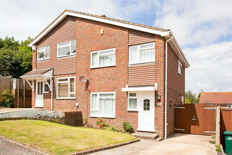 3 Bedrooms Semi Detached House for sale in Bush Cottage Close, Portslade, Brighton