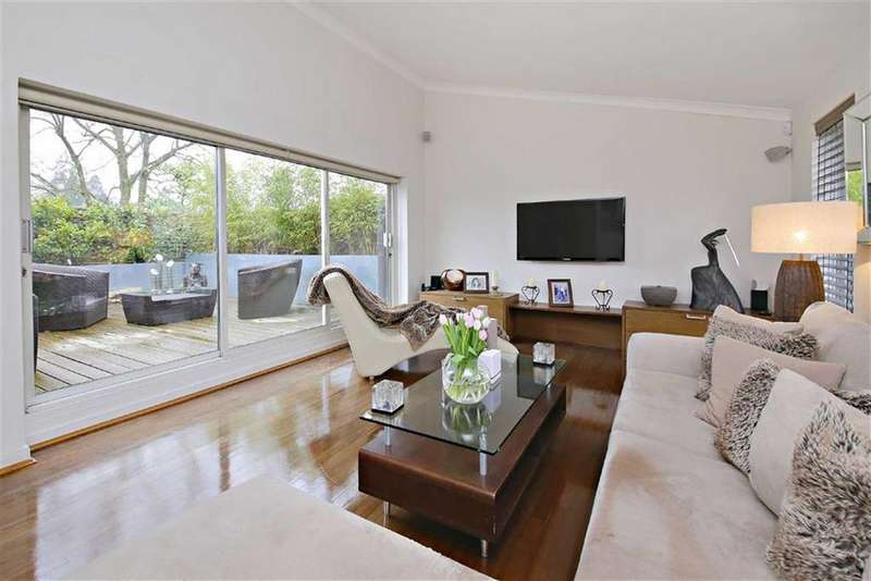 4 Bedrooms Detached House for sale in Deacons Hill Road, Elstree, Hertfordshire