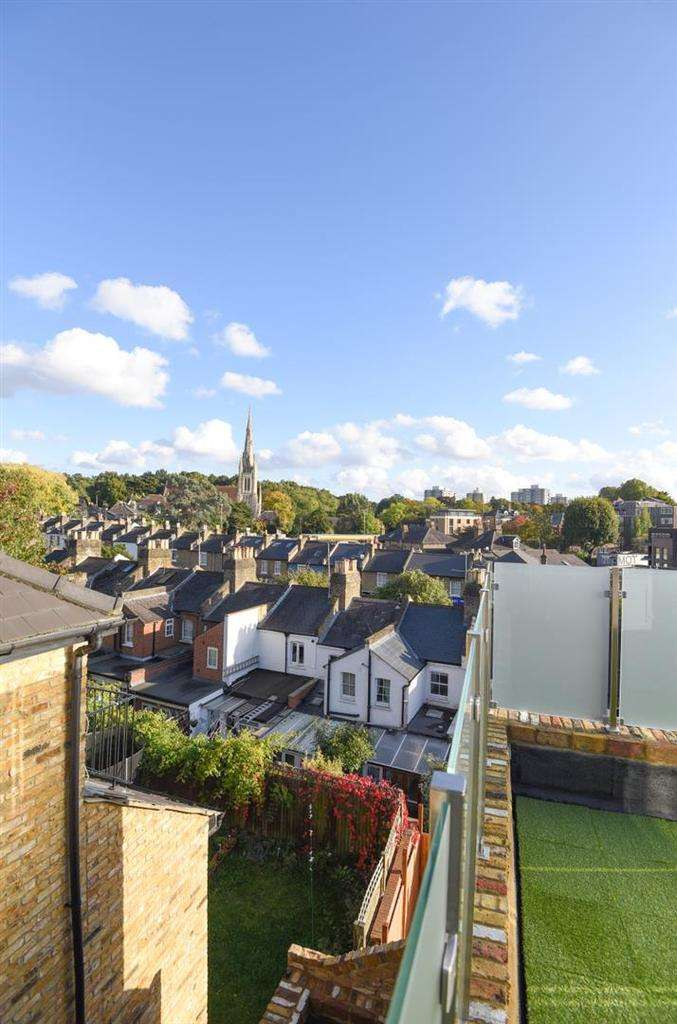 1 Bedroom Flat for sale in Roehampton High Street, Roehampton.