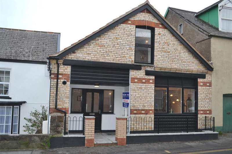 2 Bedrooms Terraced House for sale in Newport Road