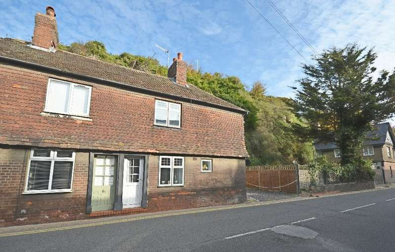 2 Bedrooms Semi Detached House for sale in South Undercliff, Rye