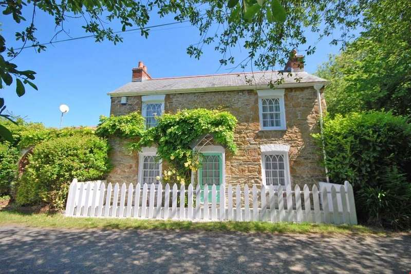 3 Bedrooms Detached House for sale in Idless, Truro, Cornwall, TR4