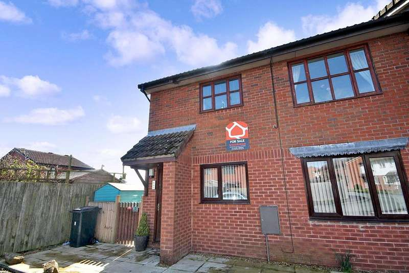 2 Bedrooms Flat for sale in Minshall Place, Oswestry SY11