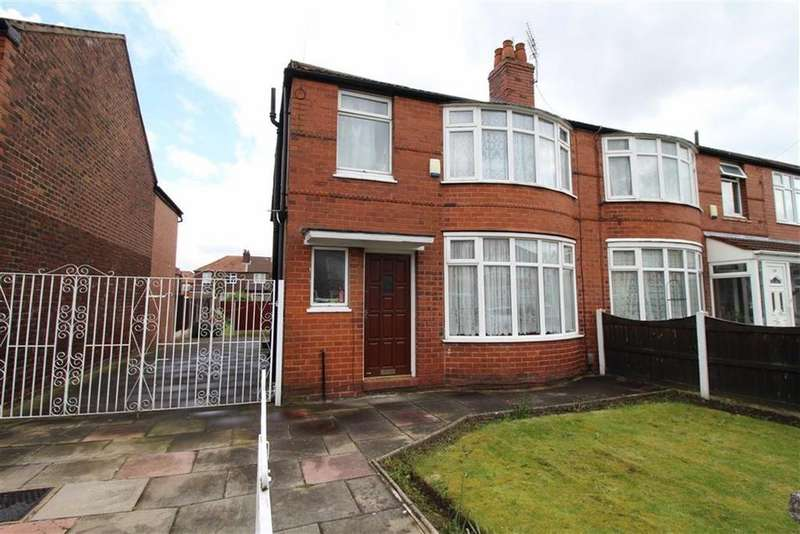 4 Bedrooms Semi Detached House for rent in Brookleigh Road, Manchester