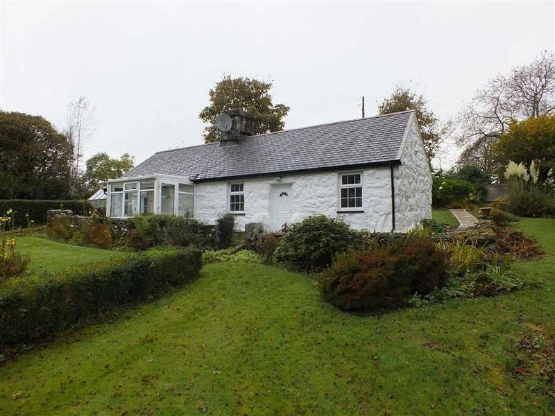 2 Bedrooms Cottage House for sale in Tai Isaf, Garndolbenmaen