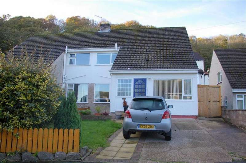 3 Bedrooms Semi Detached House for sale in Russell Avenue, Colwyn Bay