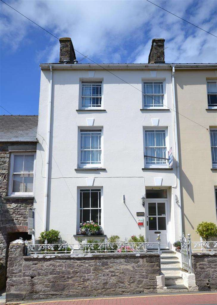 5 Bedrooms End Of Terrace House for sale in St Davids