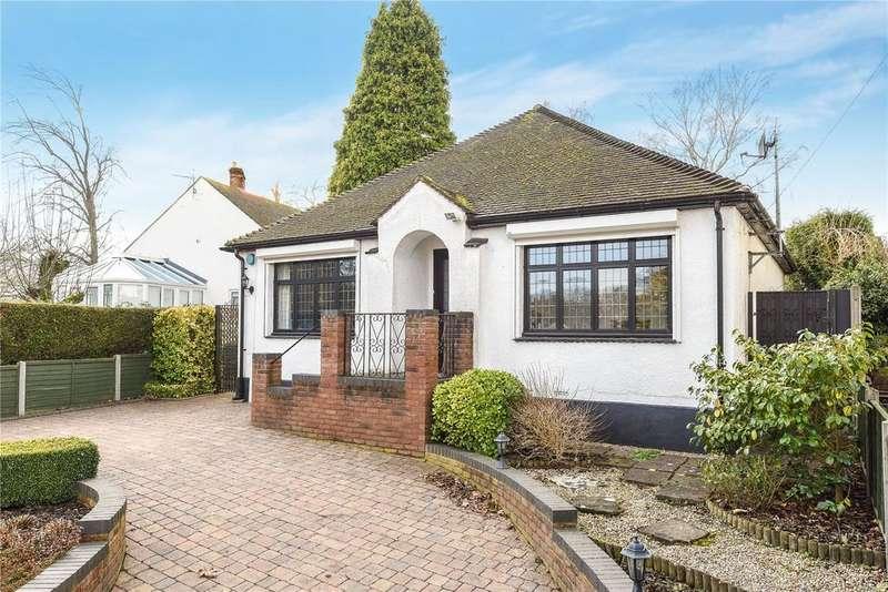 3 Bedrooms Detached House for sale in The Leys, Woburn Sands, Milton Keynes, MK17