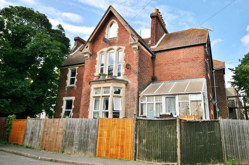 1 Bedroom Flat for sale in Waverley Road, Southsea