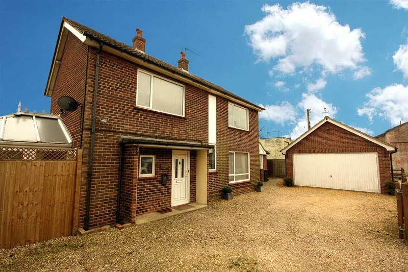 3 Bedrooms Detached House for sale in Gate House, Capel Grove, Capel St Mary