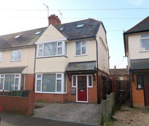 3 Bedrooms Semi Detached House for sale in Cranmer Road, Taunton TA1