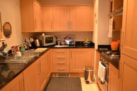 2 Bedrooms Apartment Flat for sale in Hednesford Road, Heath Hayes, Cannock