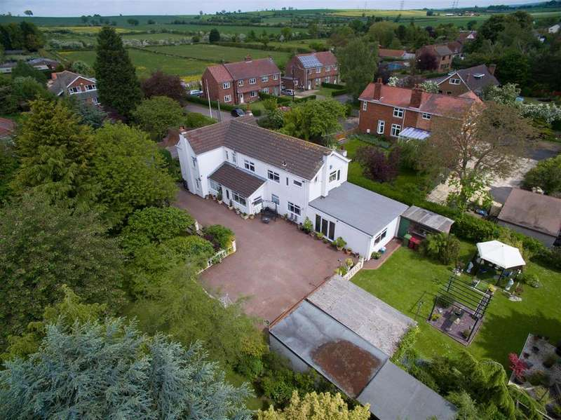 4 Bedrooms Detached House for sale in Brackenhill Road, Haxey, Doncaster