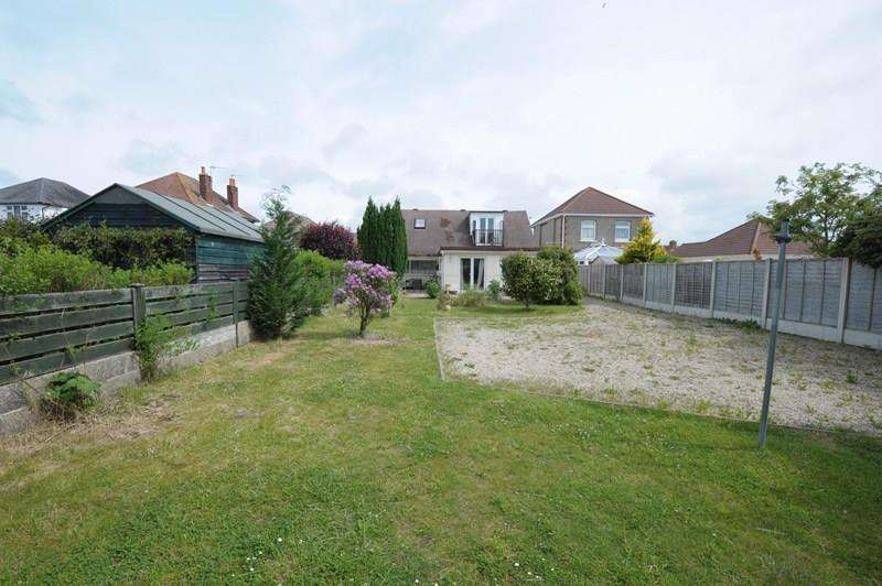 5 Bedrooms Chalet House for sale in Mossley Avenue, Wallisdown, Poole