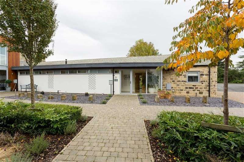 3 Bedrooms Bungalow for sale in Saw Wood Barns, Thorner, LS14