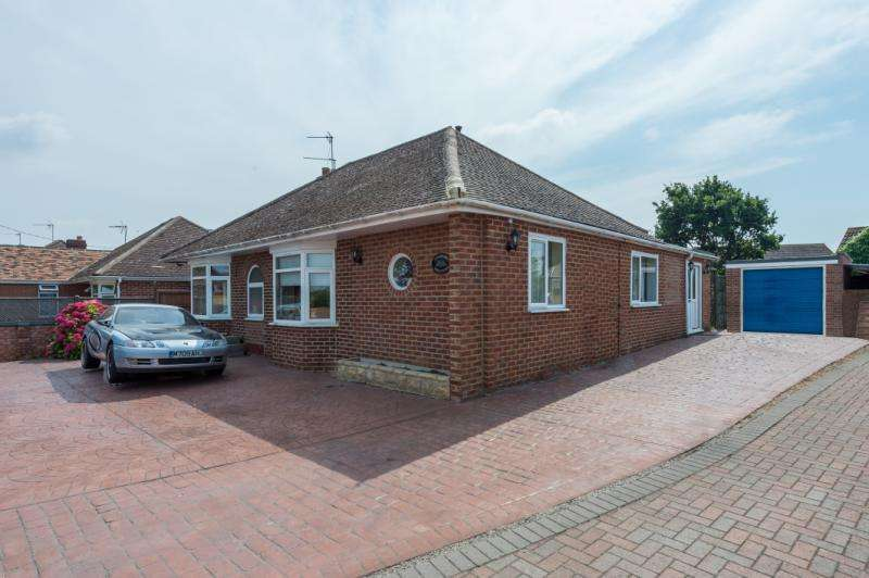 3 Bedrooms Detached Bungalow for sale in Milton Road, Sutton Courtenay, Abingdon