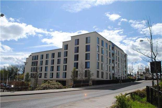 2 Bedrooms Flat for sale in 24 St. James Walk, Honeybourne Way, CHELTENHAM, Gloucestershire, GL50 3UB