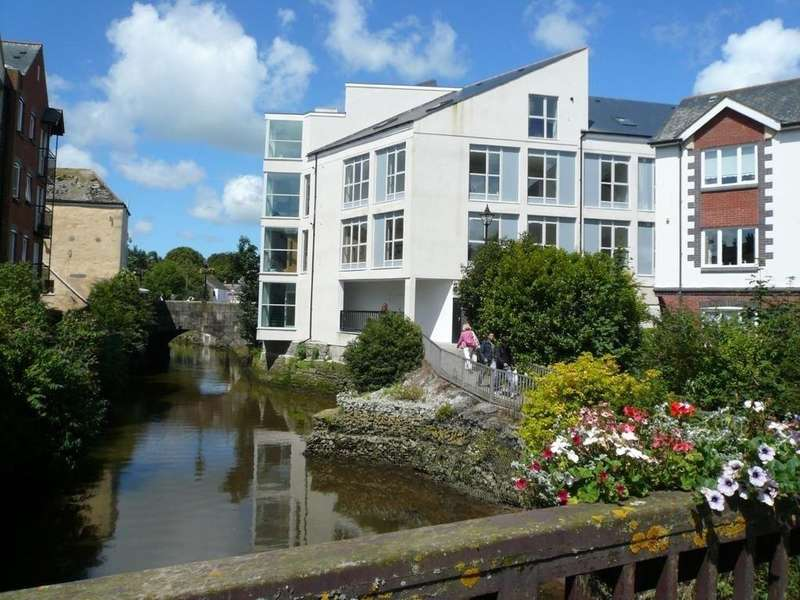 2 Bedrooms Apartment Flat for sale in Highshore House, Truro