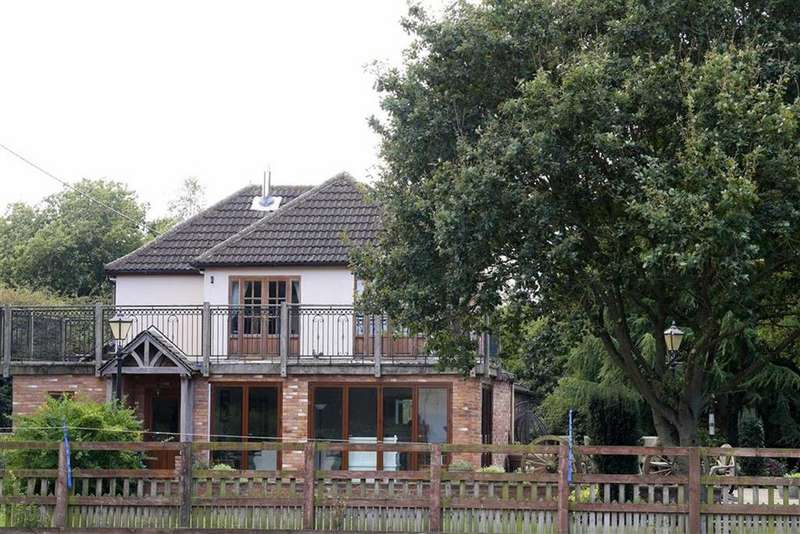 5 Bedrooms Detached House for sale in Newbold Road, Kirkby Mallory, Leicestershire