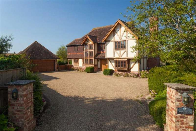 4 Bedrooms Detached House for sale in Orchard Field, Postling, Kent, CT21
