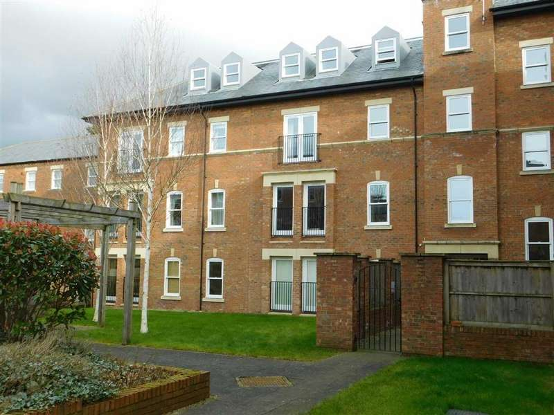 3 Bedrooms Apartment Flat for sale in College Court, Ripon